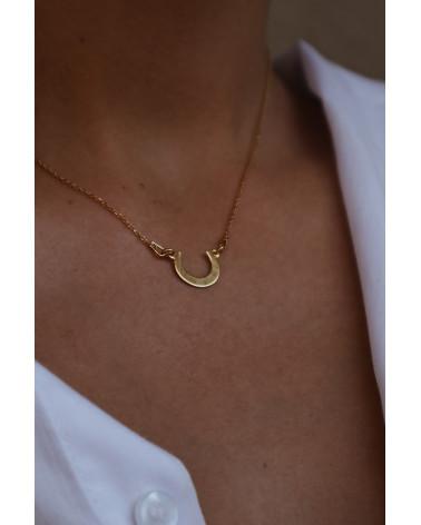 Złoty naszyjnik z półksiężycem