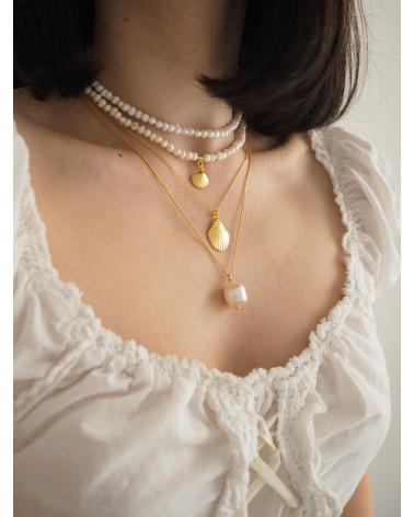 Choker z pereł naturalnych z muszelką z różowego złota