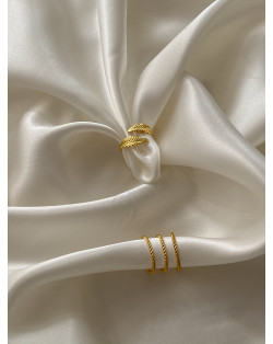 Naszyjnik z różowego złota z dwoma trójkątami