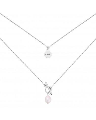 Srebrny naszyjnik z ozdobnym zapięciem i naturalna perłą