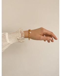 Złoty naszyjnik z monetą