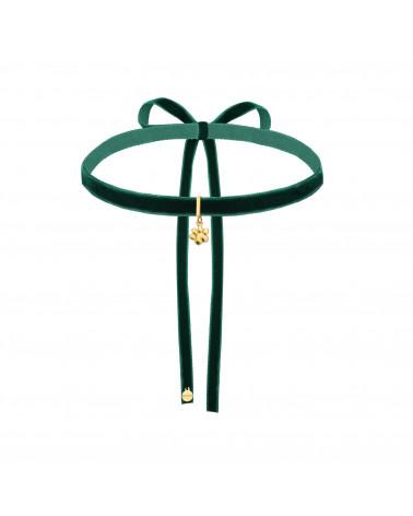 Zielony aksamitny choker z łańcuszkiem i zawieszką