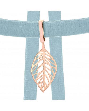 Srebrny naszyjnik z ażurowym jelonkiem