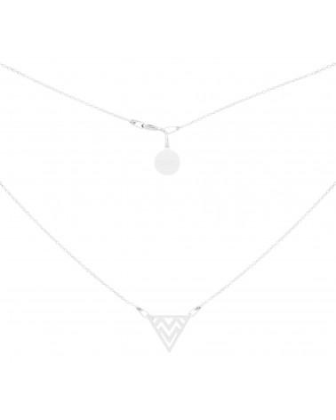 Srebrny naszyjnik z wzorzystym trójkątem