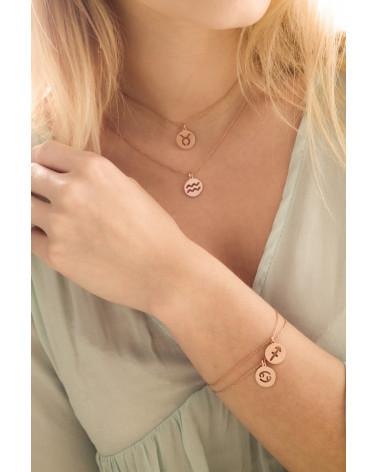 Granatowa bransoletka z pereł SWAROVSKI® CRYSTAL z rozetką z różowego złota