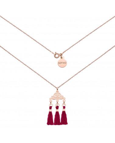 Naszyjnik z rozetką z różowego złota  i trzema bordowymi chwostami